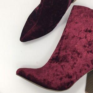 Shoes - NWT new maroon velvet pointed toe block heel 8.5